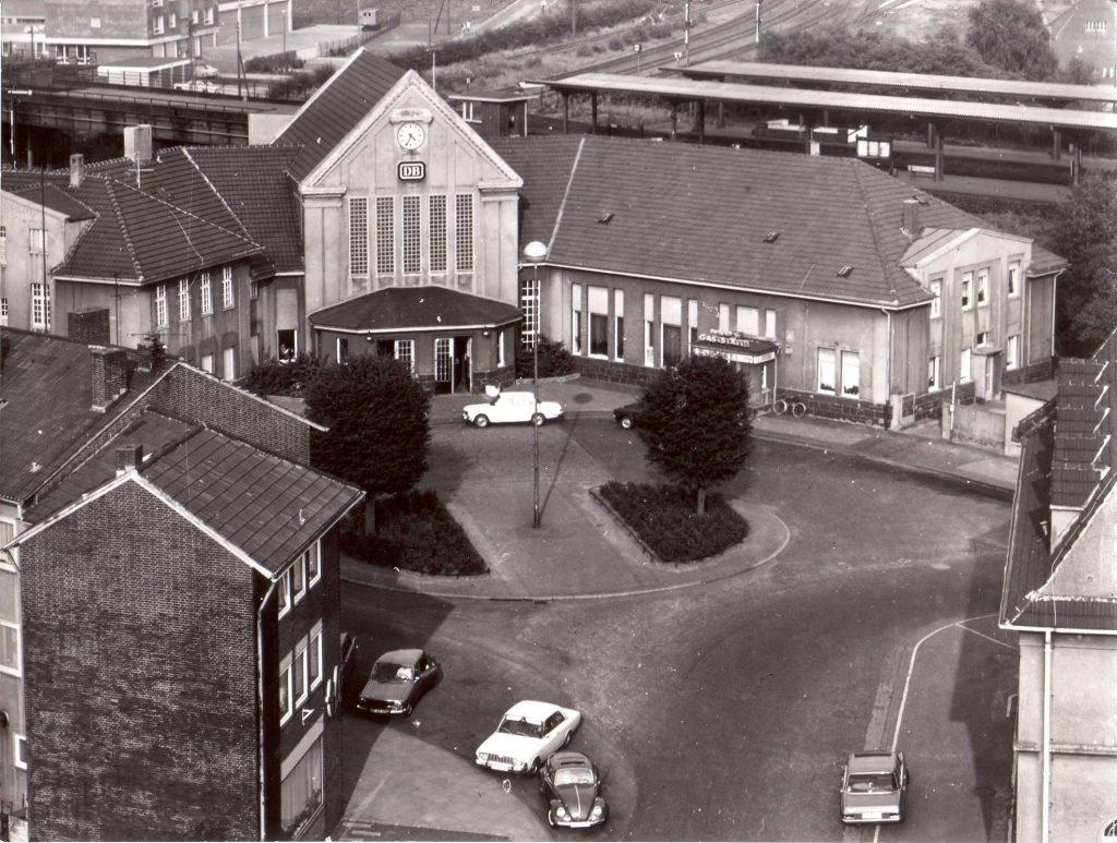 1968-Hervest-Bahnhofsvorplatz-Rondell